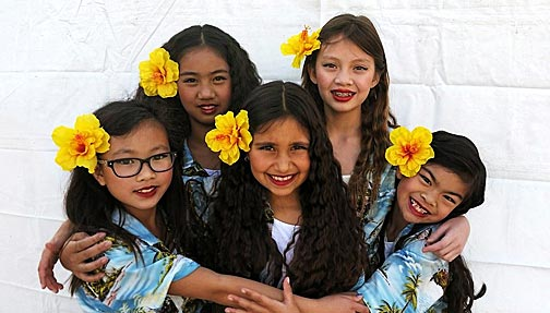 Center of WorlDance Hawaiiankids